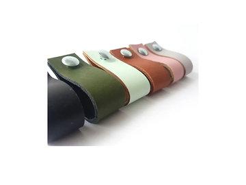 Lederen handgrepen in diverse kleuren