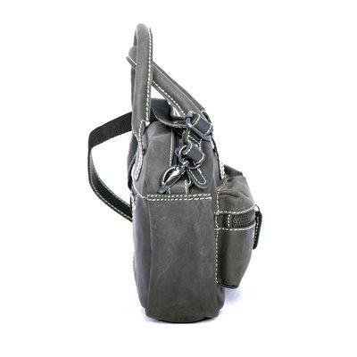 Westernbag van stoer buffelleer in de kleur zwart