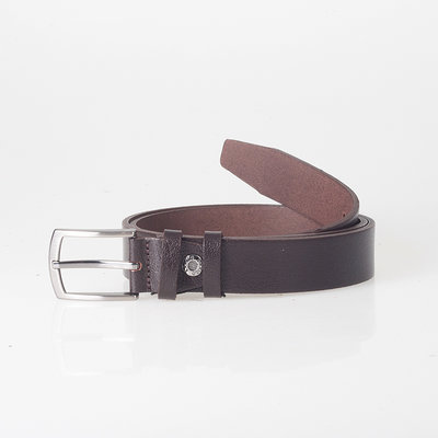 Dark brown leather belt of 3 cm wide with a silver buckle