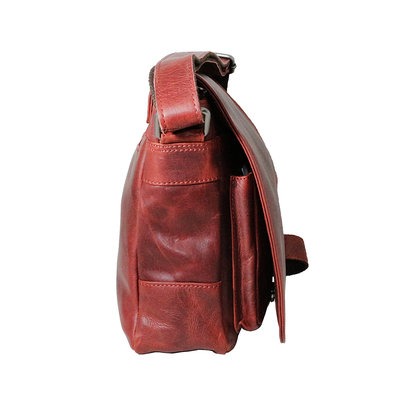 Cowhide leather shoulder bag with flap and shoulder strap, red