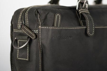 Zwart Leren Messenger Bag Met Een Vak Voor Je Laptop