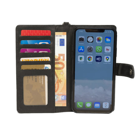 Apple iPhone 11 Bookcase Hoesje Zwart Leer