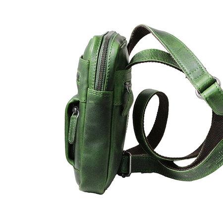 Compact groen rundlederen schoudertasje